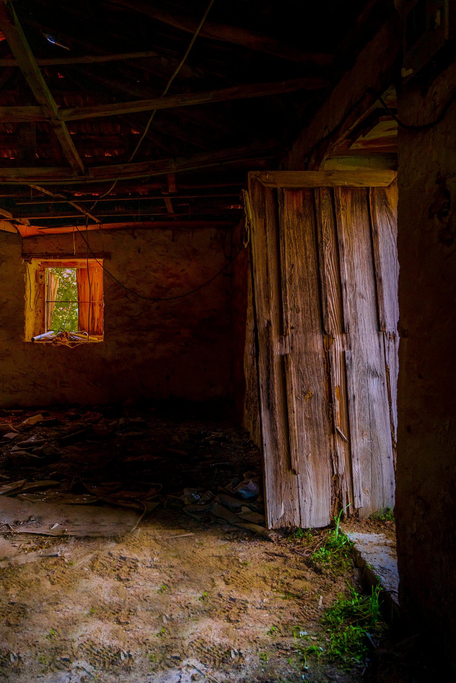Leaning Door